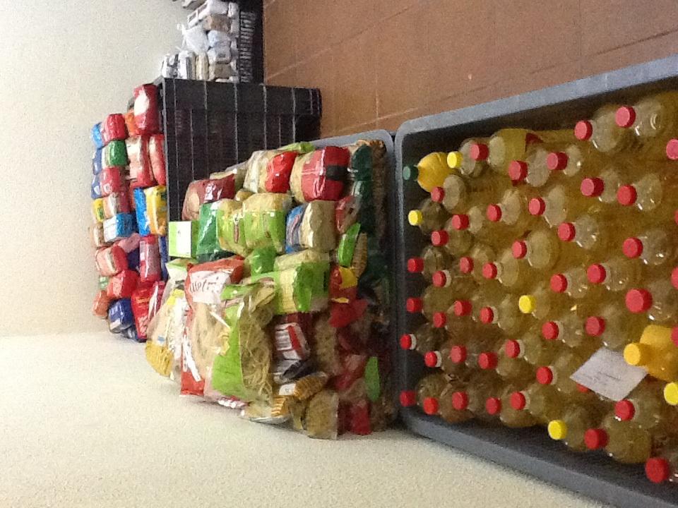 Paróquia da Glória já recolheu mais de três toneladas de bens