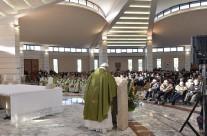 Papa celebrou Missa com migrantes